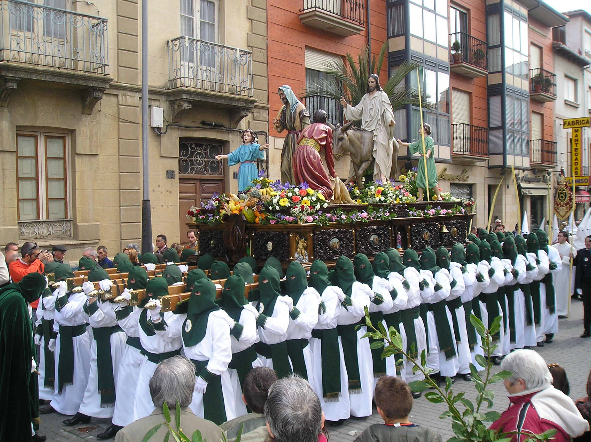 Holy Week 2015: Easter traditions
