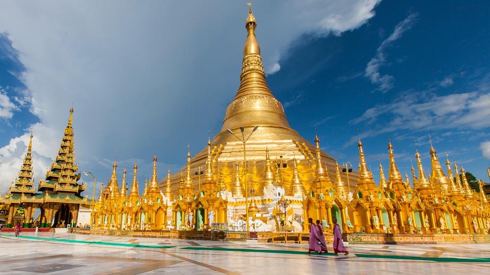 Shwedagon Paya pagoda - Yangon, Myanmar