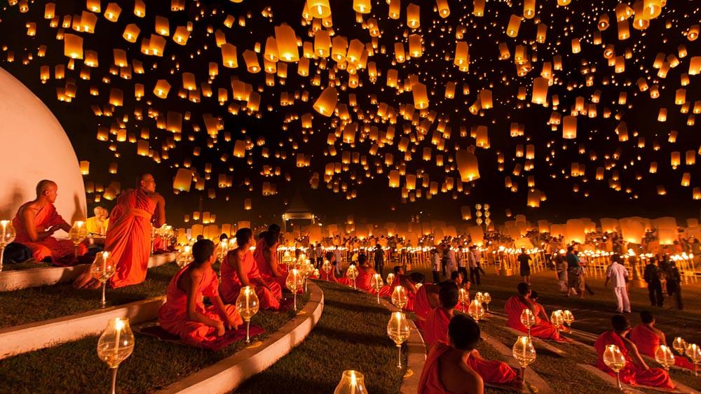 Yi Peng Festival at Maejo Uni in Chiangmai, Thailand